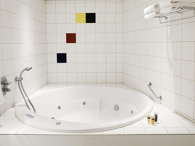 Badkamers Hengelo Ov : Verblijf in een standaard kamer city hotel hengelo